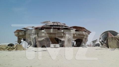 Star-Wars-VII-set-TMZ-02-jun2014-06
